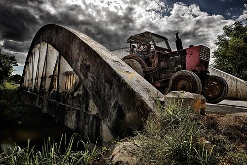 Tractoreando by Rey Cuba