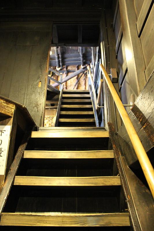 和田家 屋根裏への階段