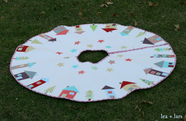 The Hood tree skirt