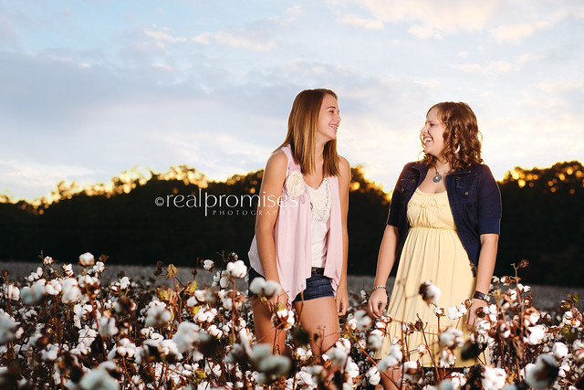 high school senior BFF session in cotton field in NC