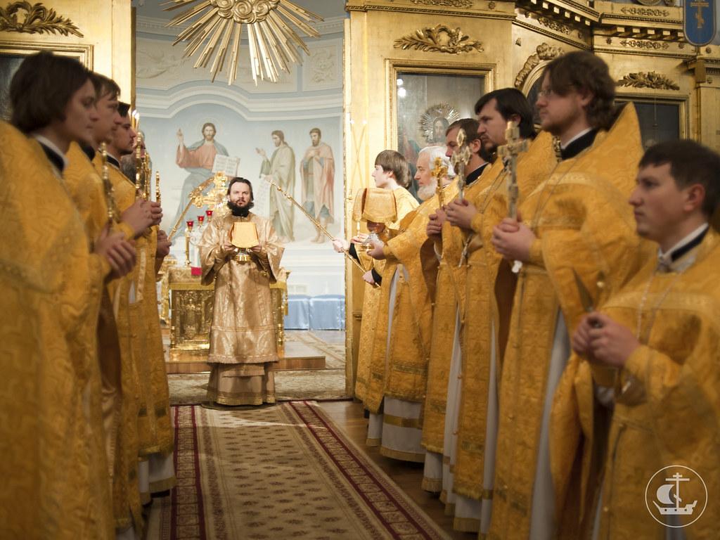 2 декабря 2012, Литургия в Неделю 26-ю по Пятидесятнице и день памяти святителя Филарета, митрополита Московского