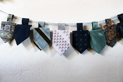 scrumdilly-do: diy dreidel garland