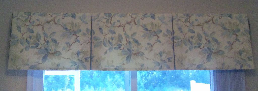 Tailored Valance with Contrast Pleat Inserts