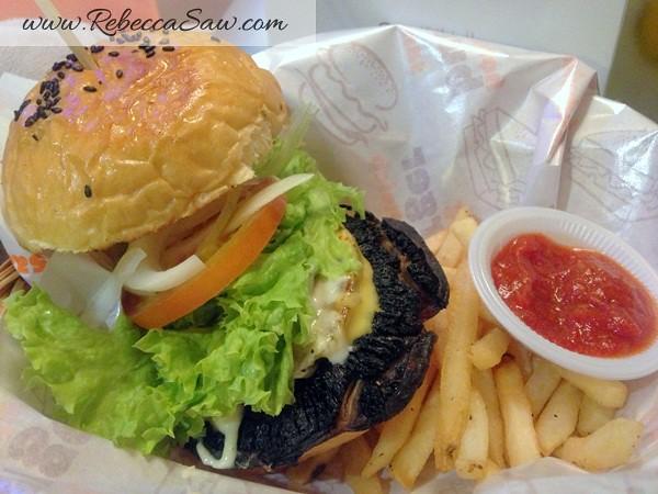Burger Junkyard 2-009