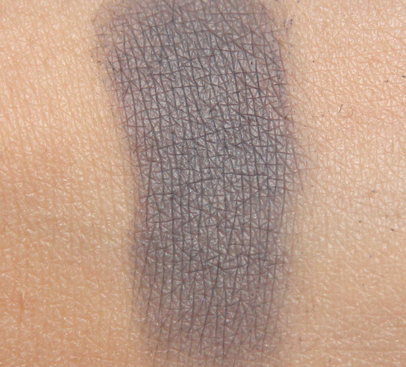 Organiqs 031 soft blue organic eye shadow swatch