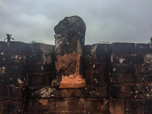 Trinidad: les ruines de la cathédrale et ses statues décapitées