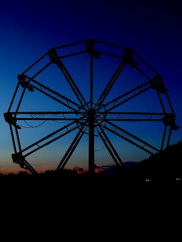 broken ferris wheel (1)
