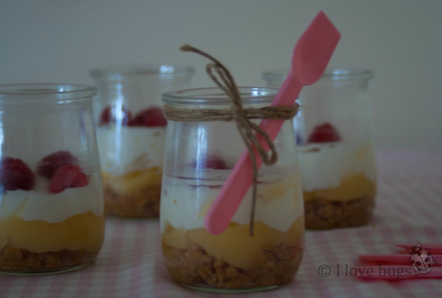 Vasitos de lemon curd y frambuesas 2
