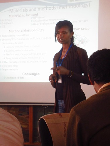 Adanech Yared (Ethiopian Institute of Water Resources) introducing her work (Credit: ILRI / Le Borgne)