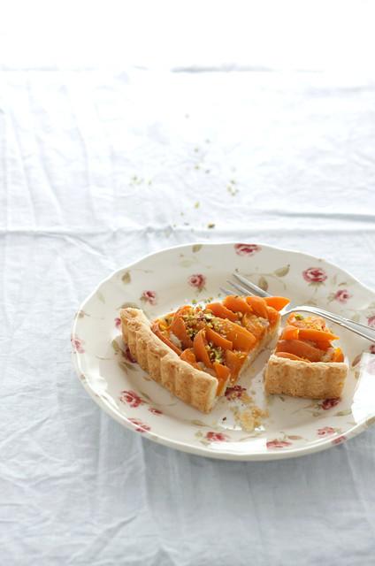 Apricot pistachio shortbread tart11