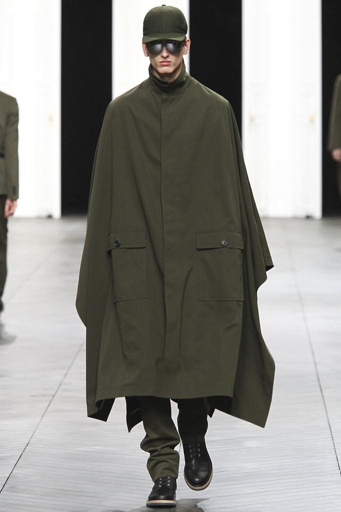Stefan Lankreijer3009_FW12 Paris Dior Homme(GQ)