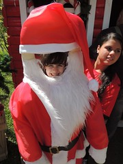 cosplay(0.0), clothing(1.0), santa claus(1.0), costume(1.0),