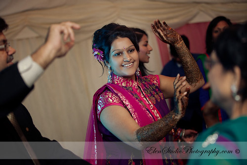 Indian-wedding-photographer-Henna-night-V&A-Elen-Studio-Photograhy-030