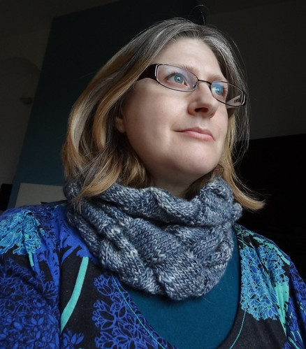 Infinity Cowl in Grey 05