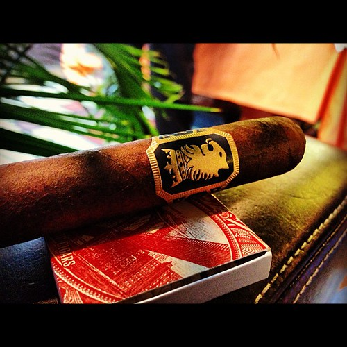 Thanks @justinryan4 for the @jonathandrew1 Undercrown Corona Viva