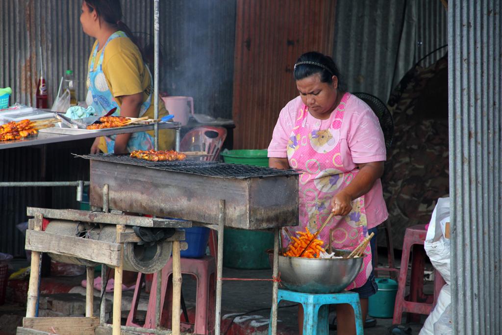 Nakhon Pathom Temple Festival