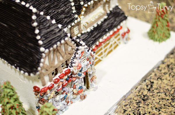 briarwood-ivory-homes-gingerbread-contest-top