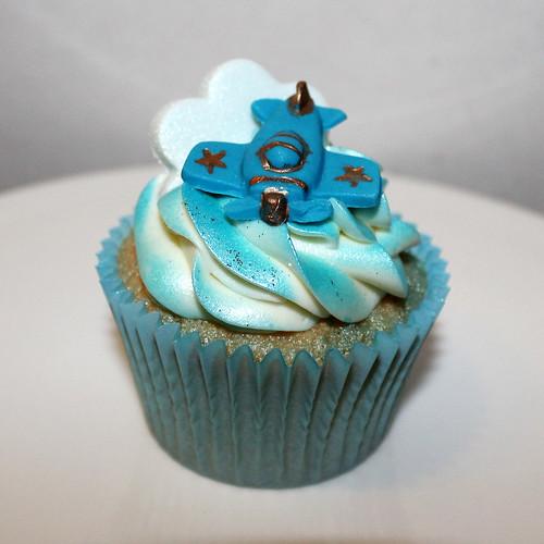 Birthday plane cake 05