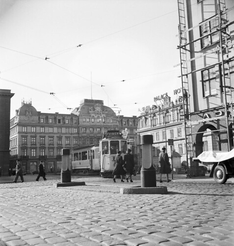Hotellplatsen in Gothenburg 1946 by Stockholm Transport Museum Commons