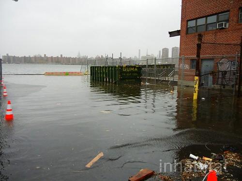 Sandy floods Brooklyn (courtesy of Inhabitat, creative commons)
