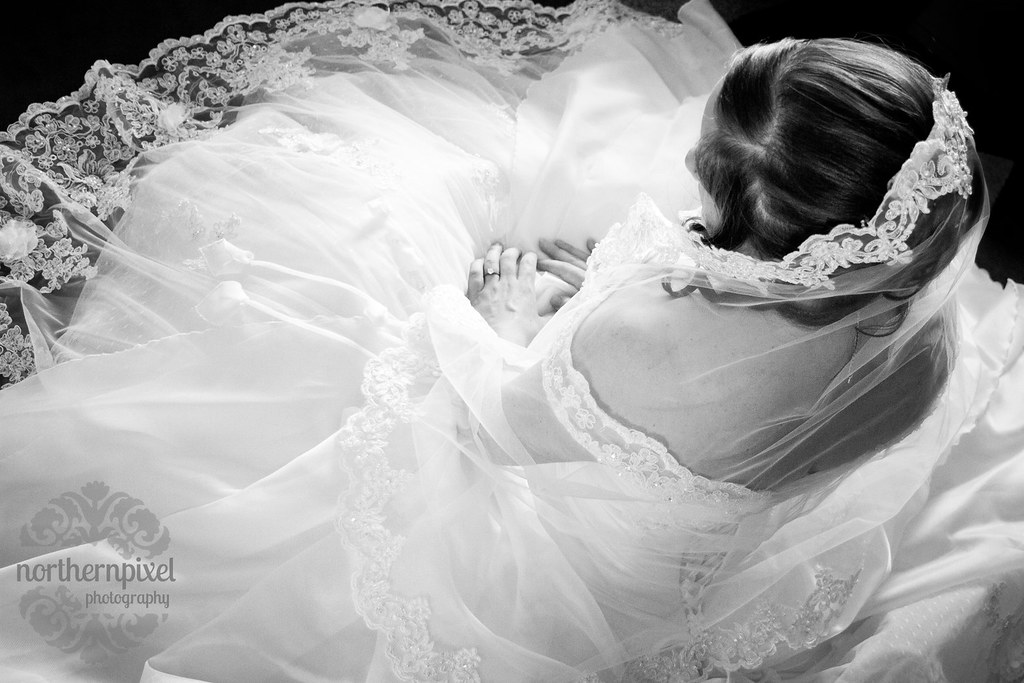 Beautiful Wedding Dress and Veil Lace