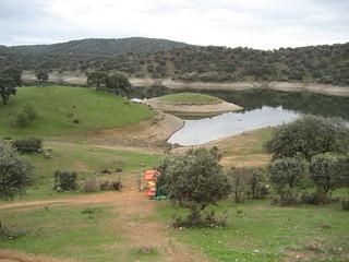 Un precioso paisaje se contempla desde el Complejo Turístico Sierra Huéznar, en El Pedroso.