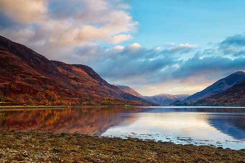autumn lake sunrise reflections landscape scotland highlands scenery day seasonal shoreline earlymorning lakeside shore glencoe autumnal fortwilliam ballachulish kinlochleven snowcappedmountains lochleven canon1740f4 lochside argyllandbute canon5dmk3 markmullenphotography pwpartlycloudy