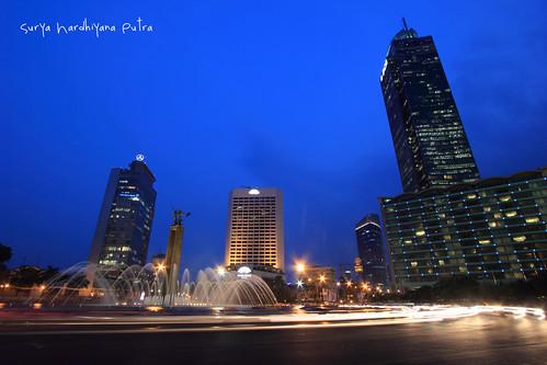 Patung Selamat Datang di Bundaran Hotel Indonesia, Jakarta