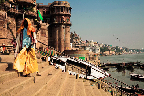 travel portrait people brown india man france art yellow architecture canon landscape body varanasi in gange uttarpradesh ltytrx5 allrightsreservedchristinelebrasseur landscapeseascapeskyscapeorcityscape
