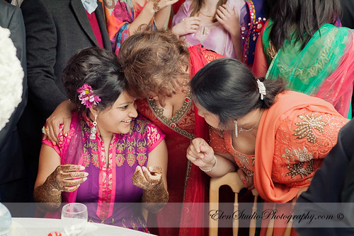 Indian-wedding-photographer-Henna-night-V&A-Elen-Studio-Photograhy-041