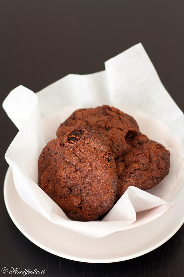 Biscotti alle castagne uvetta e cioccolato