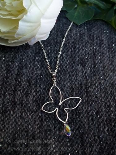 Ciondolo Wire con Silhouette di Farfalla