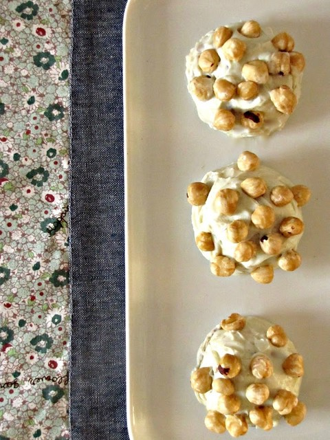 Piccoli Sformati di Gorgonzola, Mascarpone e Frutta a Guscio con Cuore di Malvasia