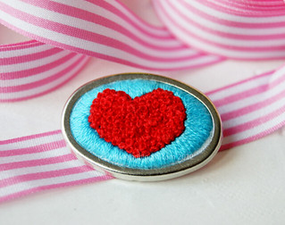 I *heart* French knots!