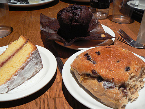 desserts sur la table.jpg