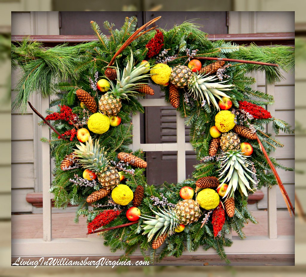 wreath with pineapples