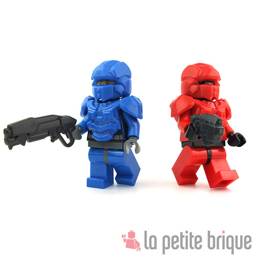 BrickWarriors Galaxy Enforcer Helmets and Armors by LaPetiteBrique.com