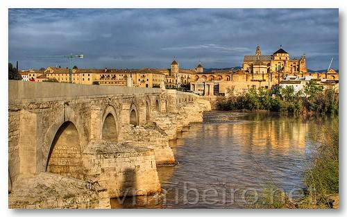 Vista da ponte romana e da mesquita-catedral by VRfoto