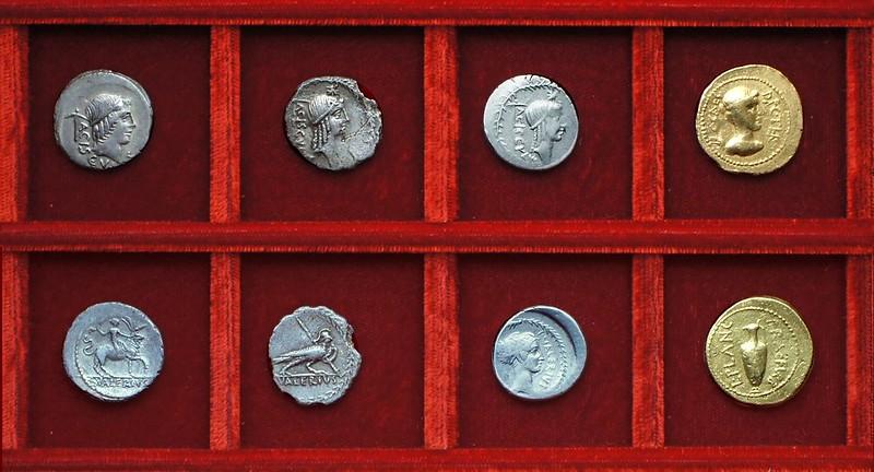 RRC 474 L.VALERIVS ACISCVLVS Valeria, RRC 475 L.PLANC C.CAES Julius Caesar Plautia Plancus aureus, Ahala collection Roman Republic