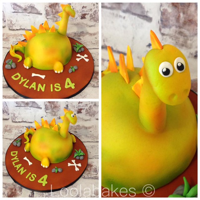 Dinorawwwr Cake by Lisa Elson