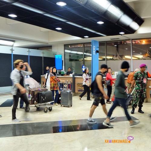 Big Bang - Jakarta Airport - 01aug2015 - kawankumagz - 02