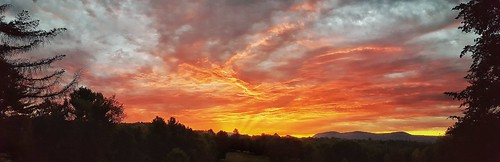 pinnedrgrovegolfcourse pinegrove golfcourse golf pioneervalley pioneervalleyma earlymorning massachusetts ma westernmassachusetts westernma sunrise