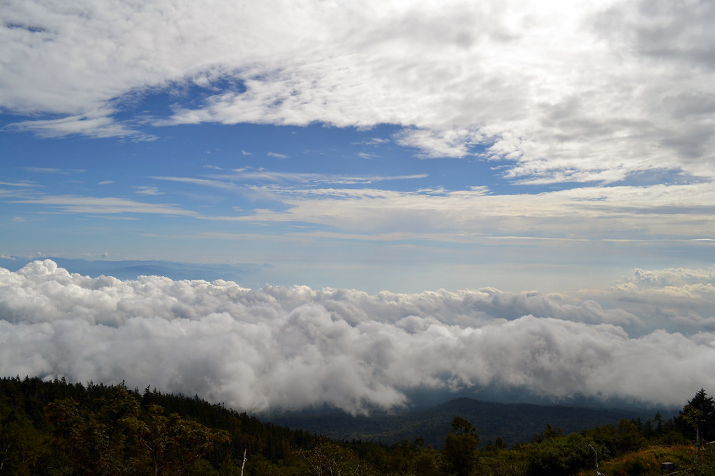 Border of clouds and clouds (2), view from 5th station