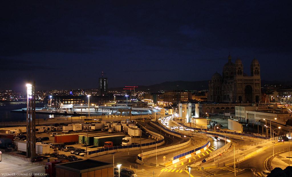 Vue de la Major et de l'esplanade Saint Jean, plus connue à Marseille sous le doux nom de J4.