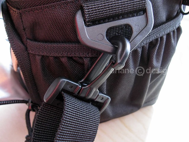 Lowepro Adventura side pocket