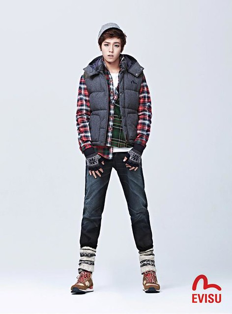 Lee Hyun Woo EVISU 2012 Winter Collection
