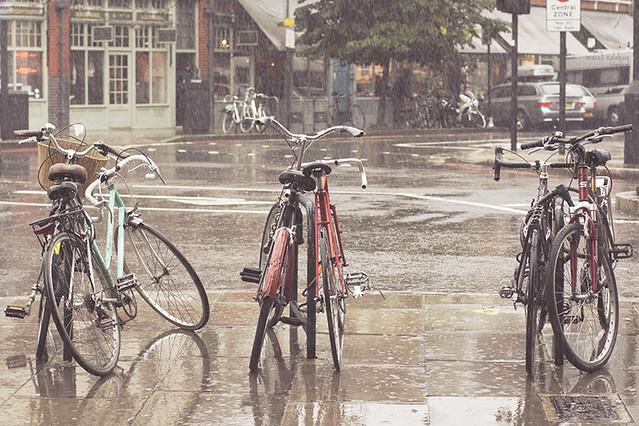 bajo la lluvia londinense