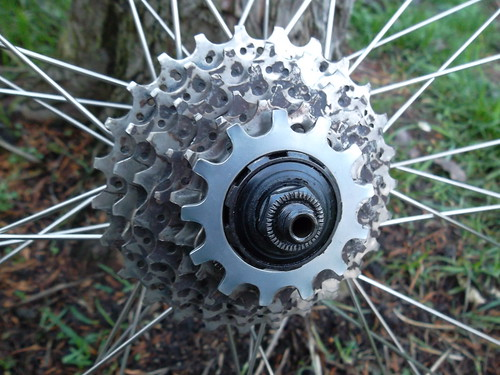 Shimano 600 Uniglide freehub with Hyperglide sprockets and Uniglide locking sprocket