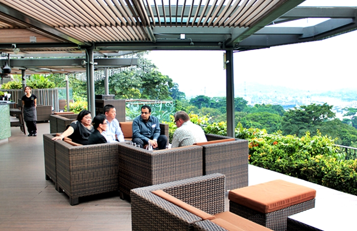 jewel box cafe mount faber 1