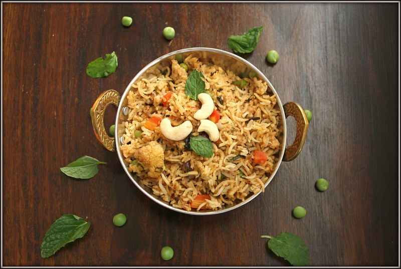 Vegetable biryani in a rice cooker